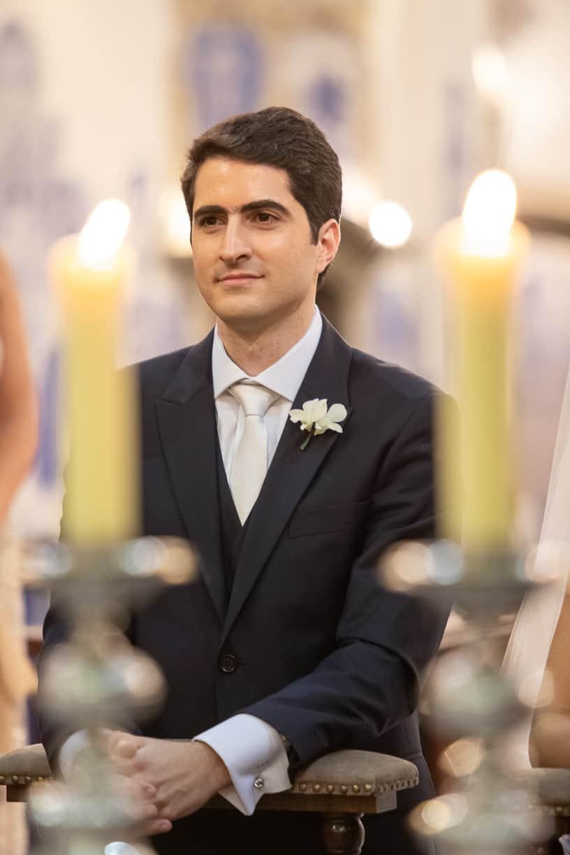 casamento-Natalia-e-Thiago-cerimonia-na-igreja-foto-dos-noivos-Fotografia-Cissa-sannomya-fotos-dos-noivos-no-altar-Igreja-Nossa-Senhora-do-Brasil91