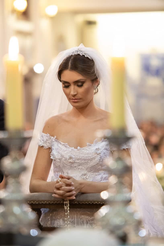 casamento-Natalia-e-Thiago-cerimonia-na-igreja-foto-dos-noivos-Fotografia-Cissa-sannomya-fotos-dos-noivos-no-altar-Igreja-Nossa-Senhora-do-Brasil92