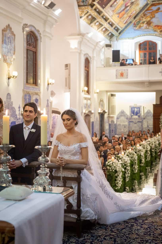 casamento-Natalia-e-Thiago-cerimonia-na-igreja-foto-dos-noivos-Fotografia-Cissa-sannomya-fotos-dos-noivos-no-altar-Igreja-Nossa-Senhora-do-Brasil93