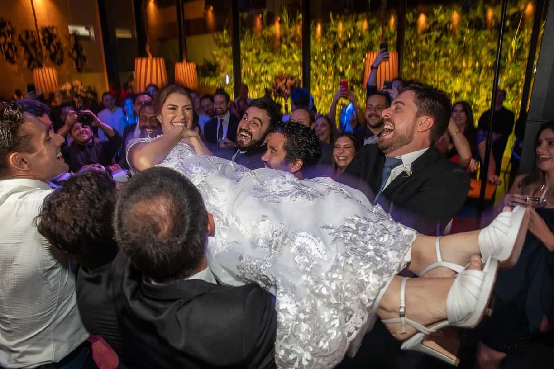 casamento-Natalia-e-Thiago-espaco-jardim-Europa-festa-de-casamento-Fotografia-Cissa-sannomya-noivos-na-pista-pista152