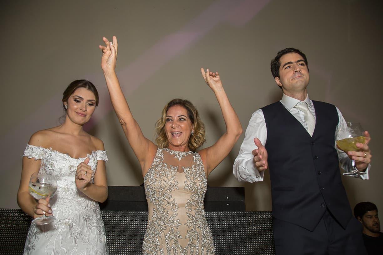 casamento-Natalia-e-Thiago-espaco-jardim-Europa-festa-de-casamento-Fotografia-Cissa-sannomya-noivos-na-pista-pista174