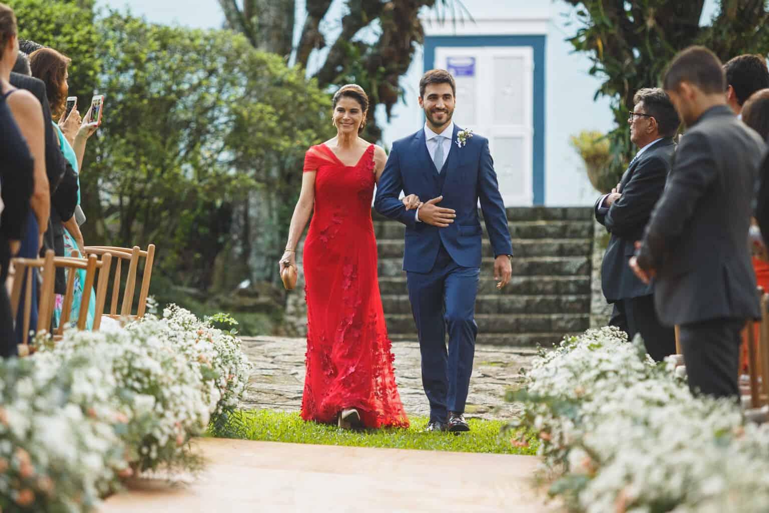 casamento-na-Fazenda-Vila-Rica-cerimonia-ao-ar-livre-cerimonial-Ana-Paula-Tabet-Fotografia-Euka-Weddings-Renata-e-Gabriel58