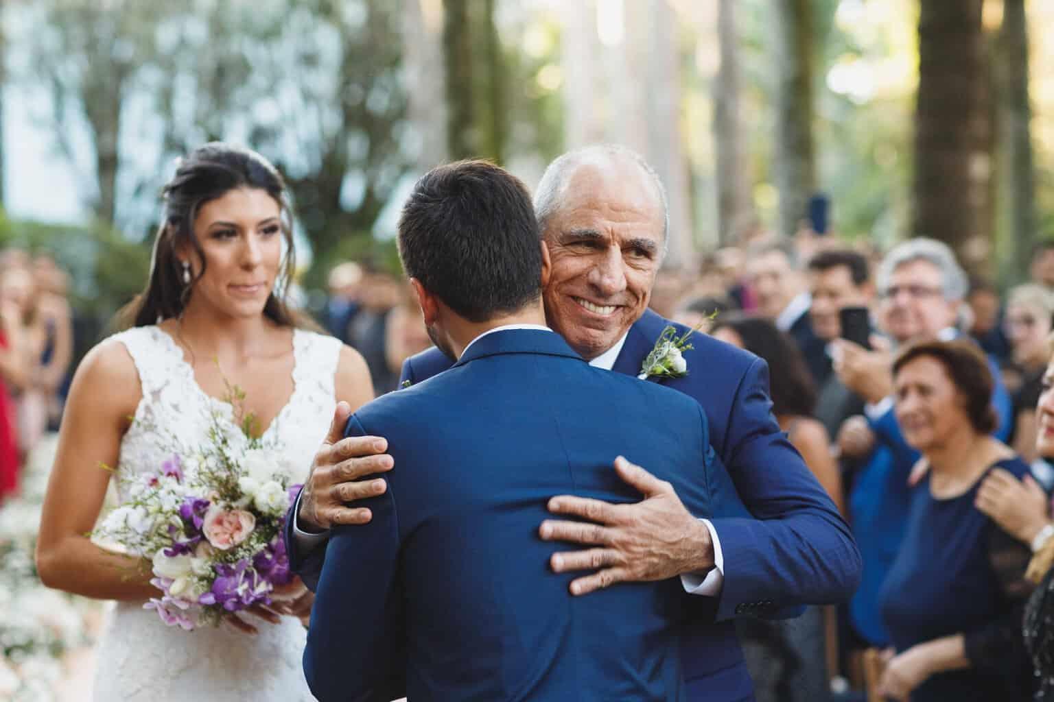 casamento-na-Fazenda-Vila-Rica-cerimonia-ao-ar-livre-cerimonial-Ana-Paula-Tabet-Fotografia-Euka-Weddings-Renata-e-Gabriel68