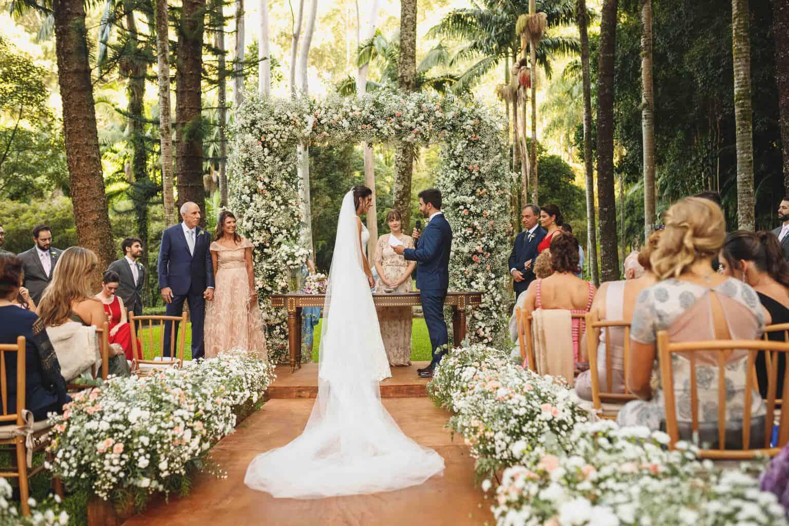 casamento-na-Fazenda-Vila-Rica-cerimonia-ao-ar-livre-cerimonial-Ana-Paula-Tabet-Fotografia-Euka-Weddings-Renata-e-Gabriel86
