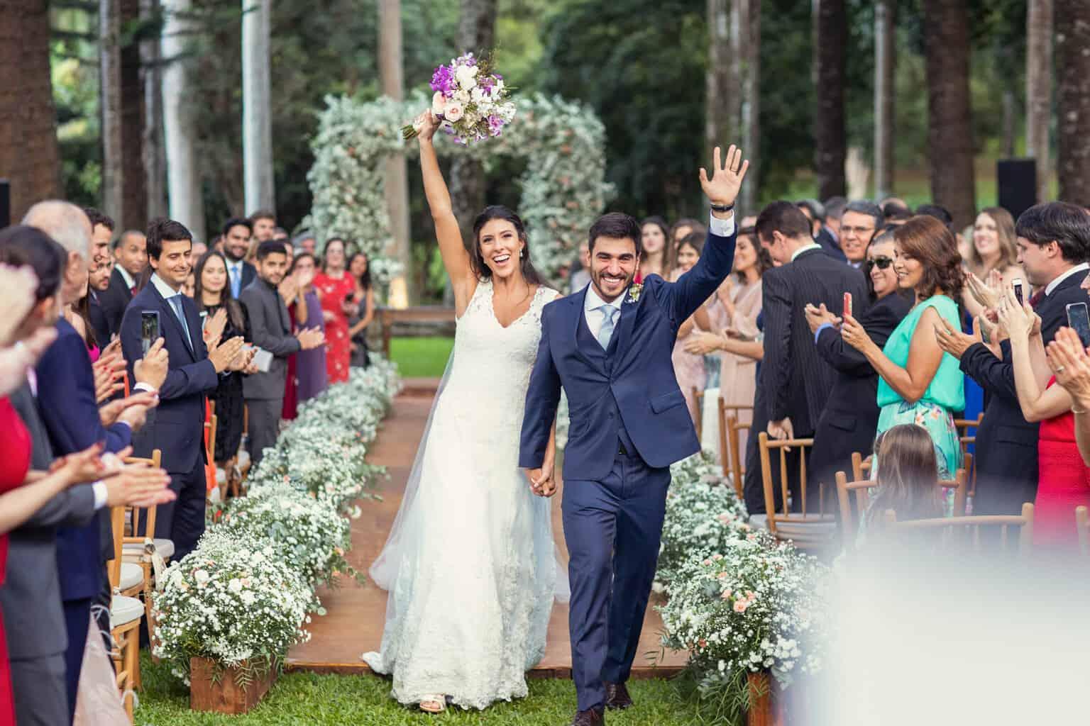 casamento-na-Fazenda-Vila-Rica-cerimonia-ao-ar-livre-cerimonial-Ana-Paula-Tabet-Fotografia-Euka-Weddings-Renata-e-Gabriel94-1