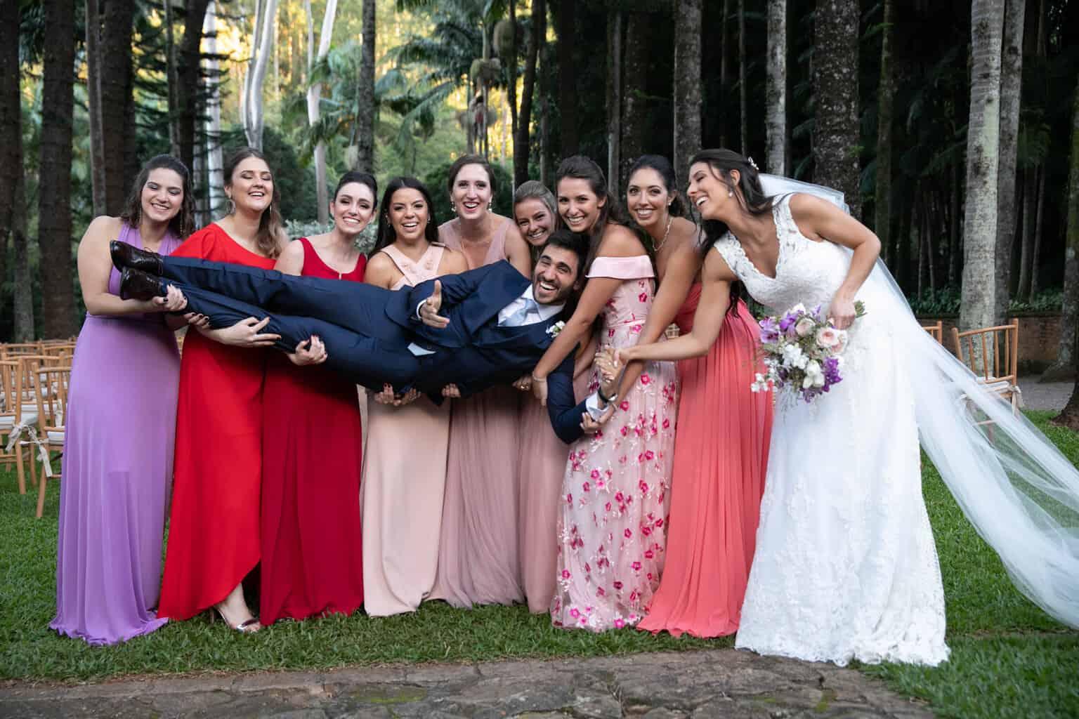 casamento-na-Fazenda-Vila-Rica-cerimonial-Ana-Paula-Tabet-Fotografia-Euka-Weddings-madrinhas-padrinhos-Renata-e-Gabriel114