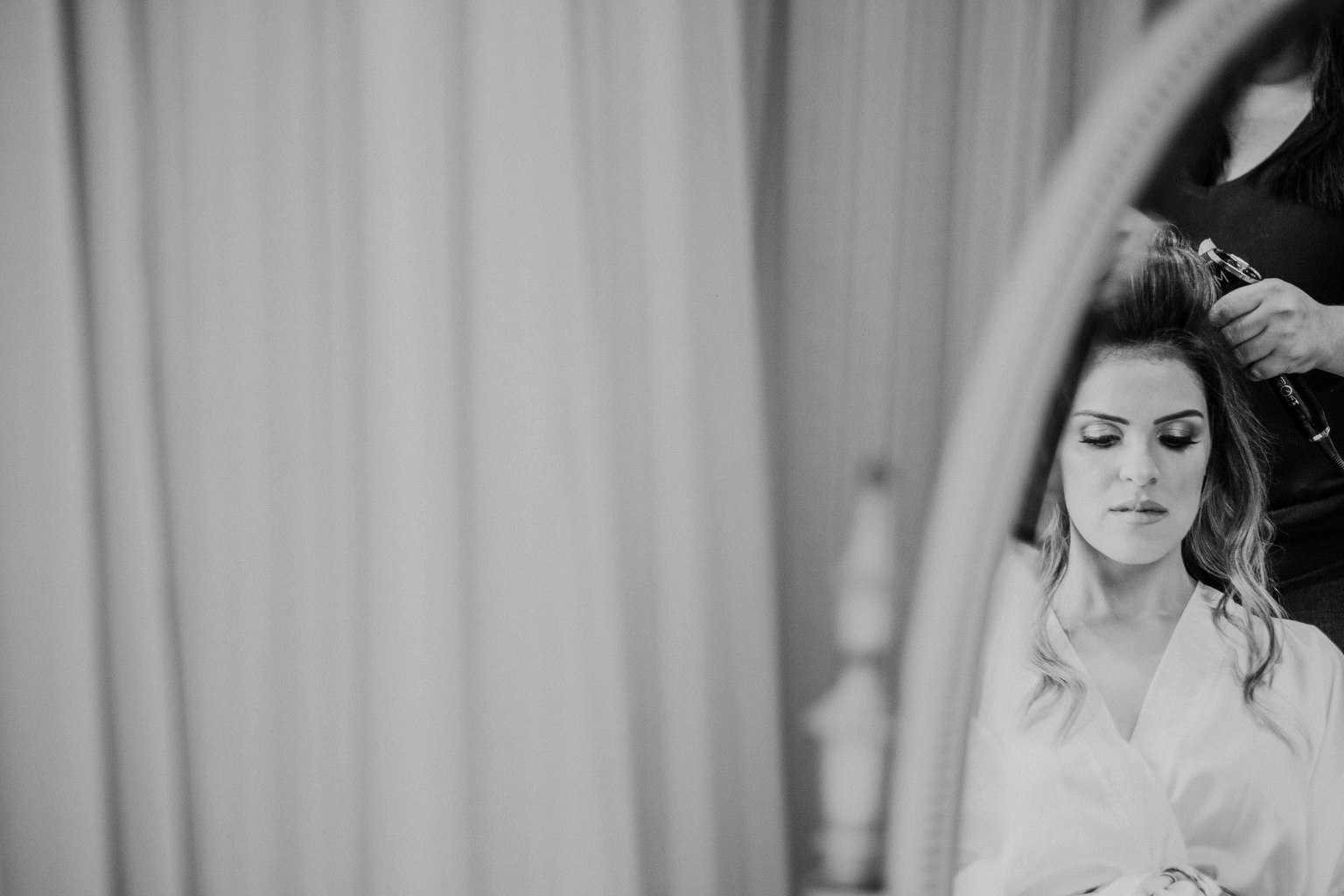 casamento-na-serra-Fotografia-Renata-Xavier-Les-Amies-Cerimonial-Locanda-Della-Mimosa-making-of-Natalia-e-Bruno136