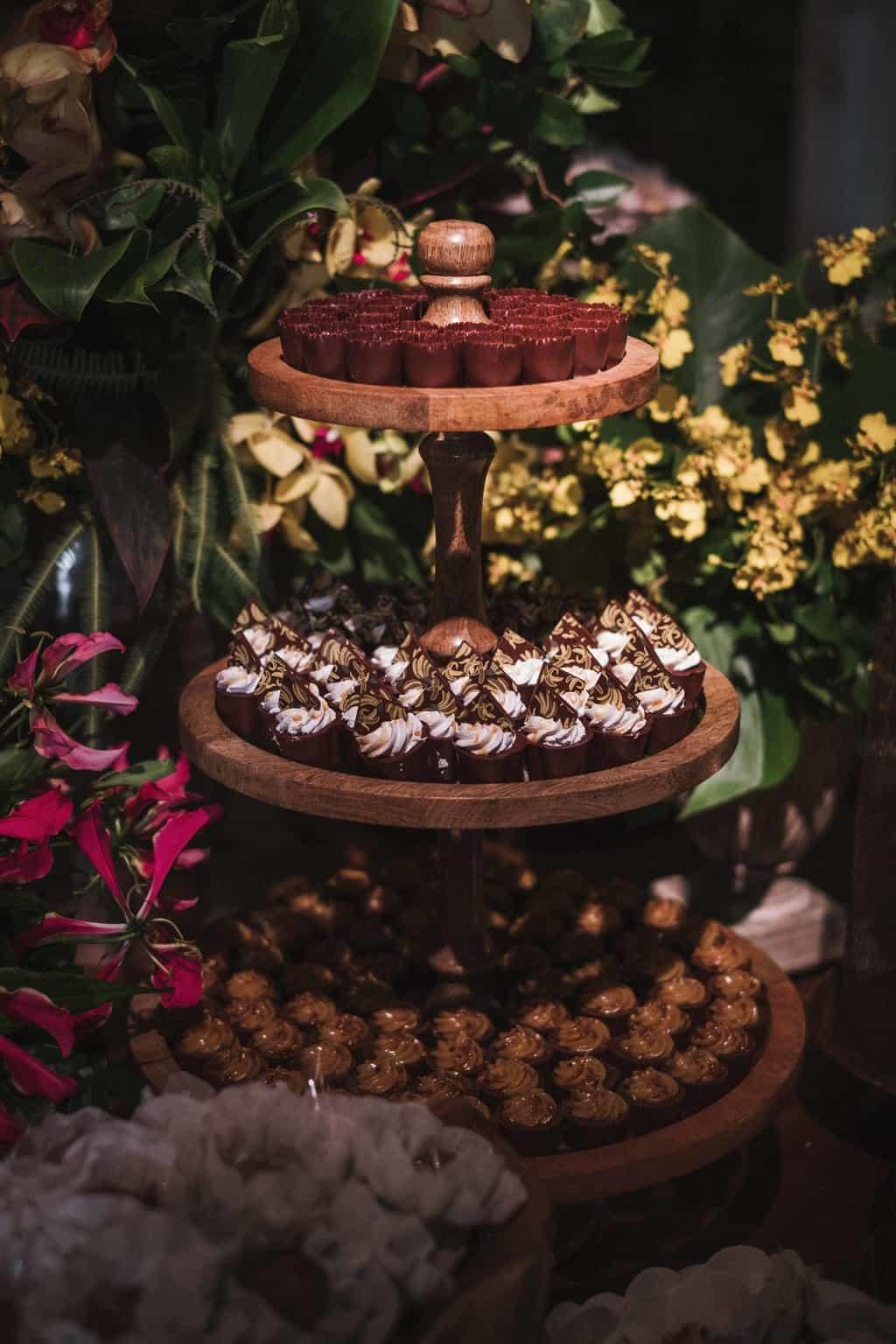 casamento-na-serra-Fotografia-Renata-Xavier-Les-Amies-Cerimonial-Locanda-Della-Mimosa-mesa-de-doces-Natalia-e-Bruno523