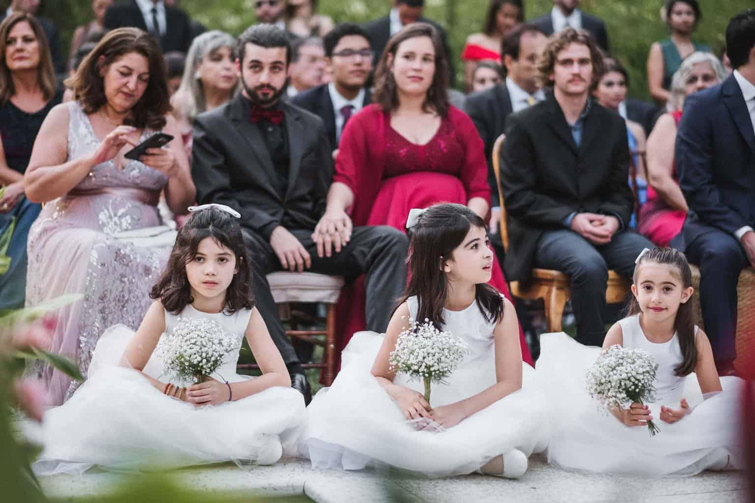 casamento-na-serra-cerimonia-ao-ar-livre-daminhas-Fotografia-Renata-Xavier-Les-Amies-Cerimonial-Locanda-Della-Mimosa-Natalia-e-Bruno395