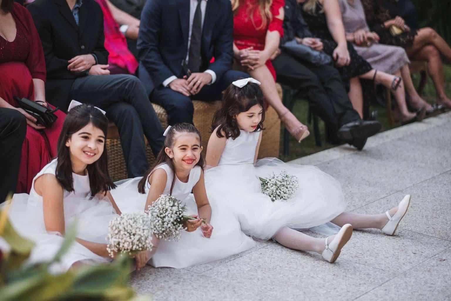 casamento-na-serra-cerimonia-ao-ar-livre-daminhas-Fotografia-Renata-Xavier-Les-Amies-Cerimonial-Locanda-Della-Mimosa-Natalia-e-Bruno453