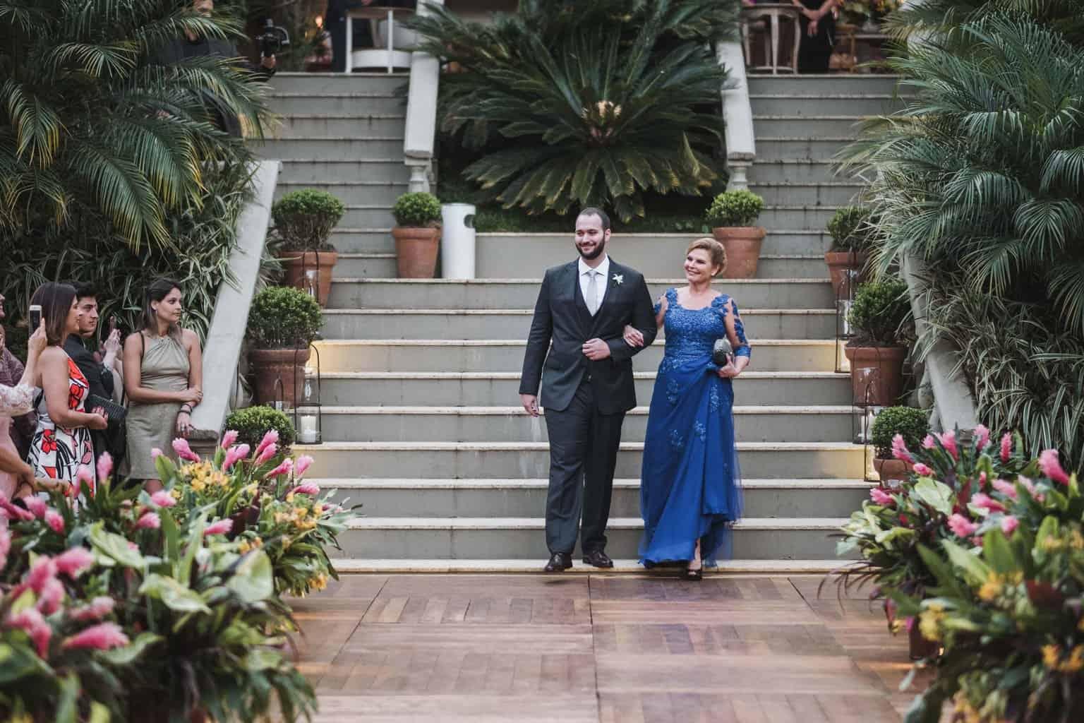 casamento-na-serra-cerimonia-ao-ar-livre-entrada-do-noivo-Fotografia-Renata-Xavier-Les-Amies-Cerimonial-Locanda-Della-Mimosa-Natalia-e-Bruno340
