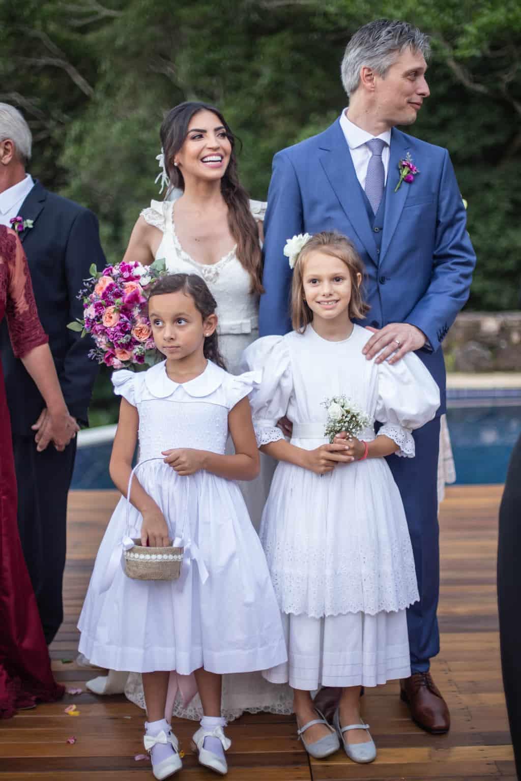 casamento-na-serra-cerimonia-ao-ar-livre-foto-da-familia-Fotografia-Laura-Campanella-graviola-filmes-Juliana-e-Sebastian-Pousada-La-Belle-Bruna286