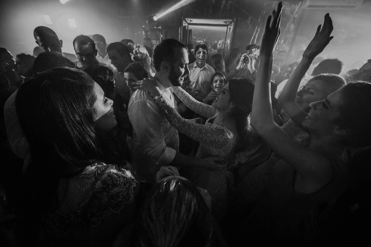 casamento-na-serra-festa-de-casamento-Fotografia-Renata-Xavier-Les-Amies-Cerimonial-Locanda-Della-Mimosa-Natalia-e-Bruno626