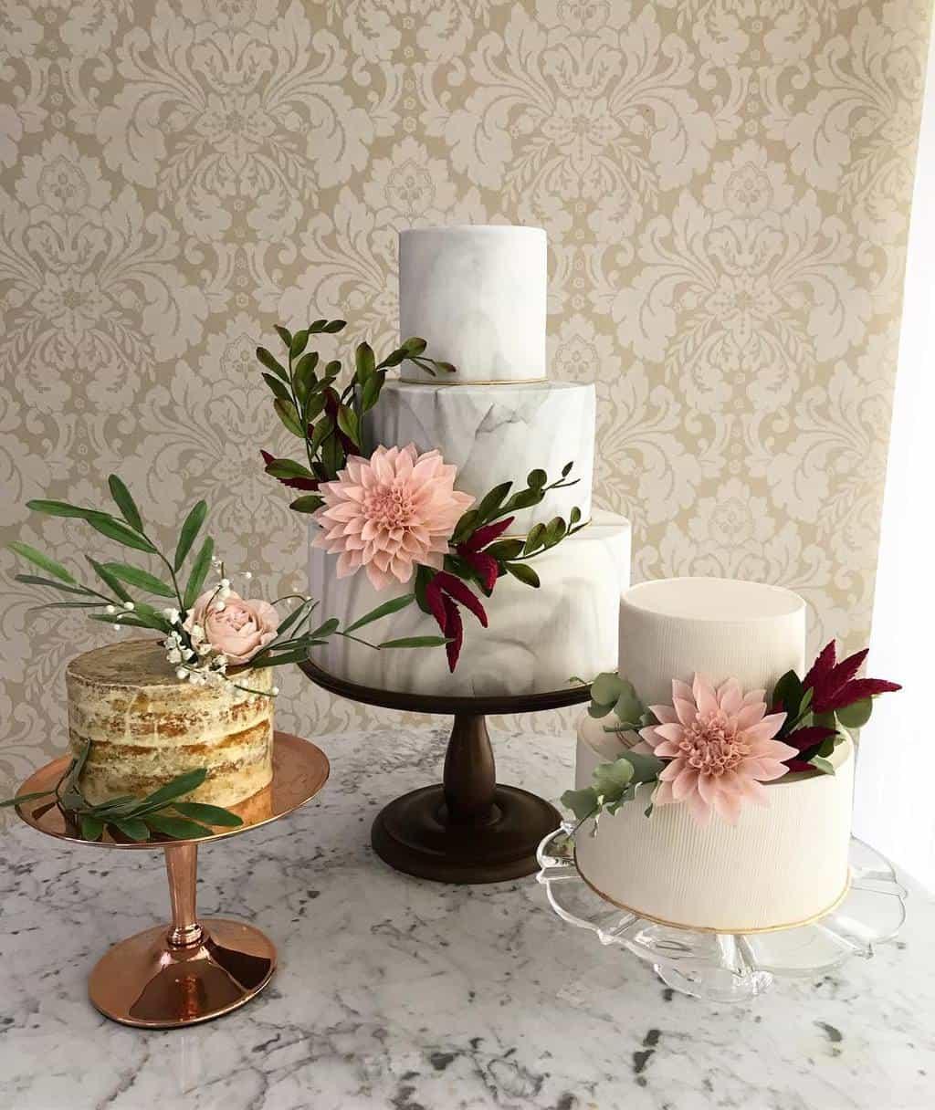 the-king-cake-trio-de-bolos