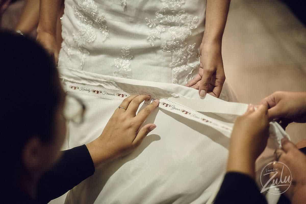 tradicao-de-casamento-nome-na-barra-do-vestido