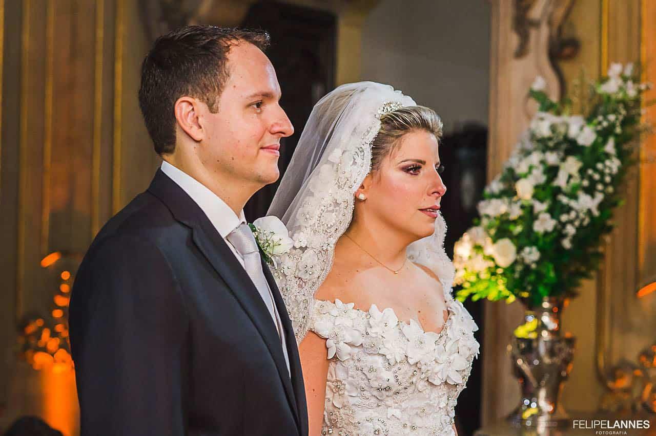 Casamento-Beatrice-e-Luiz-Augusto-casamento-classico-cerimonia-na-igreja-fotografia-Felipe-Lannes-noivos-no-altar21