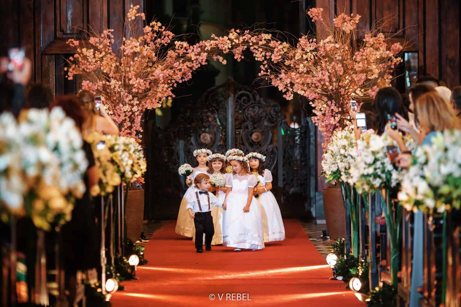casamento-Caroline-e-Breno-casamento-clássico-cerimonia-na-igreja-daminhas-e-pajens-fotografia-VRebel32