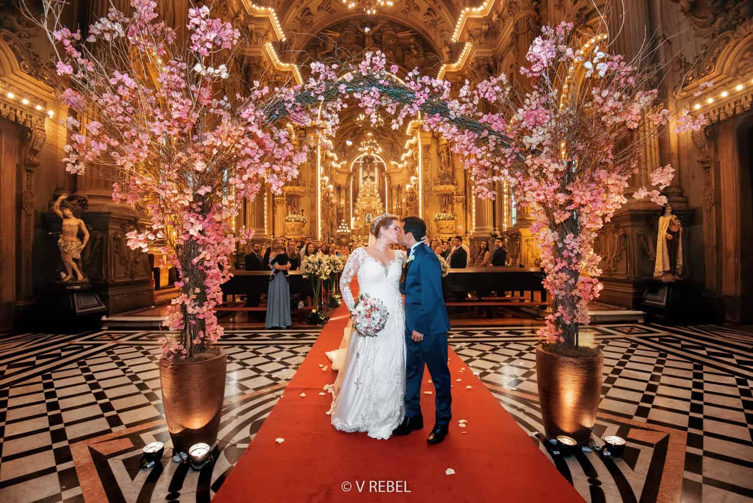 casamento-Caroline-e-Breno-casamento-clássico-cerimonia-na-igreja-fotografia-VRebel-1