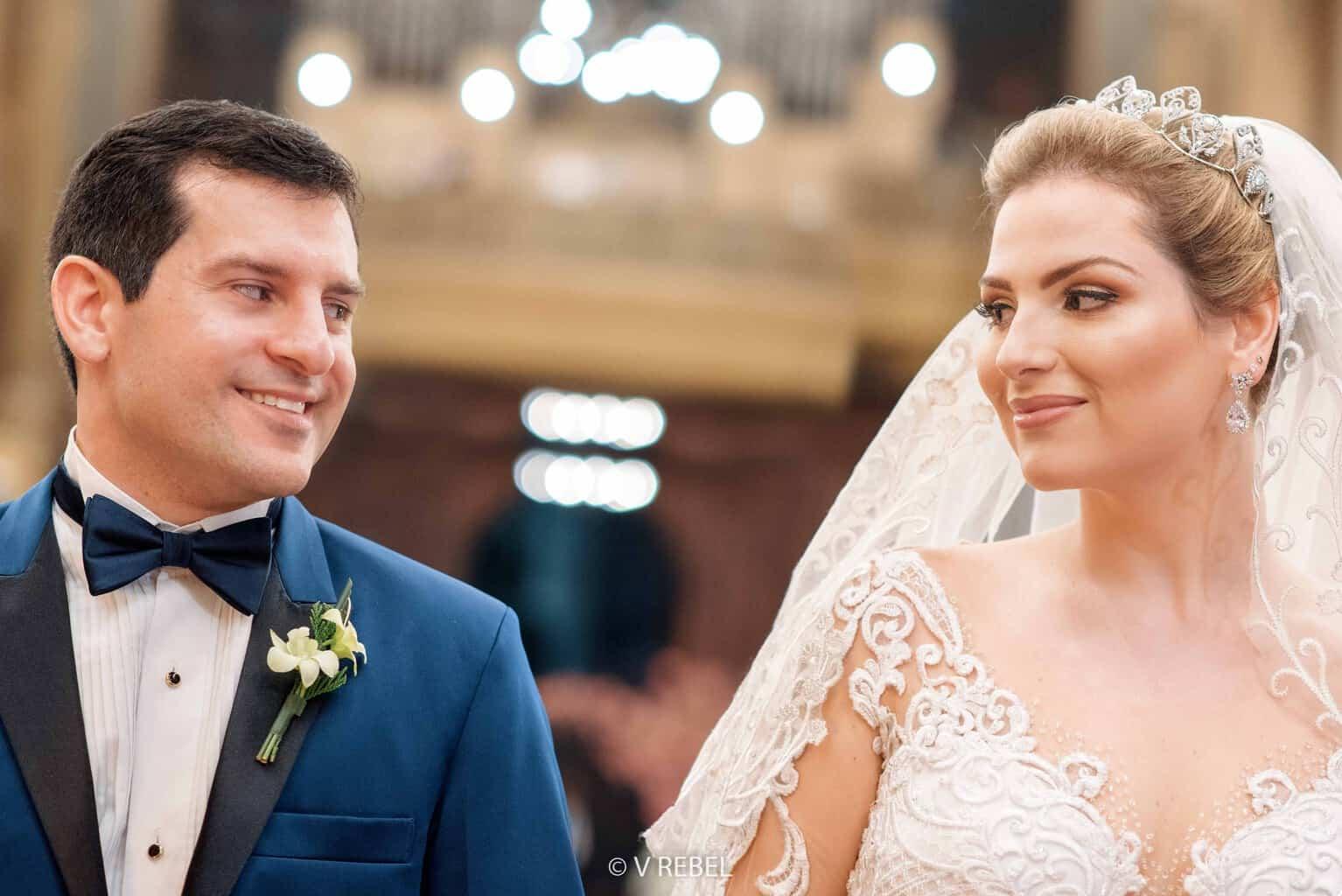 casamento-Caroline-e-Breno-casamento-clássico-cerimonia-na-igreja-fotografia-VRebel-noivos-no-altar39