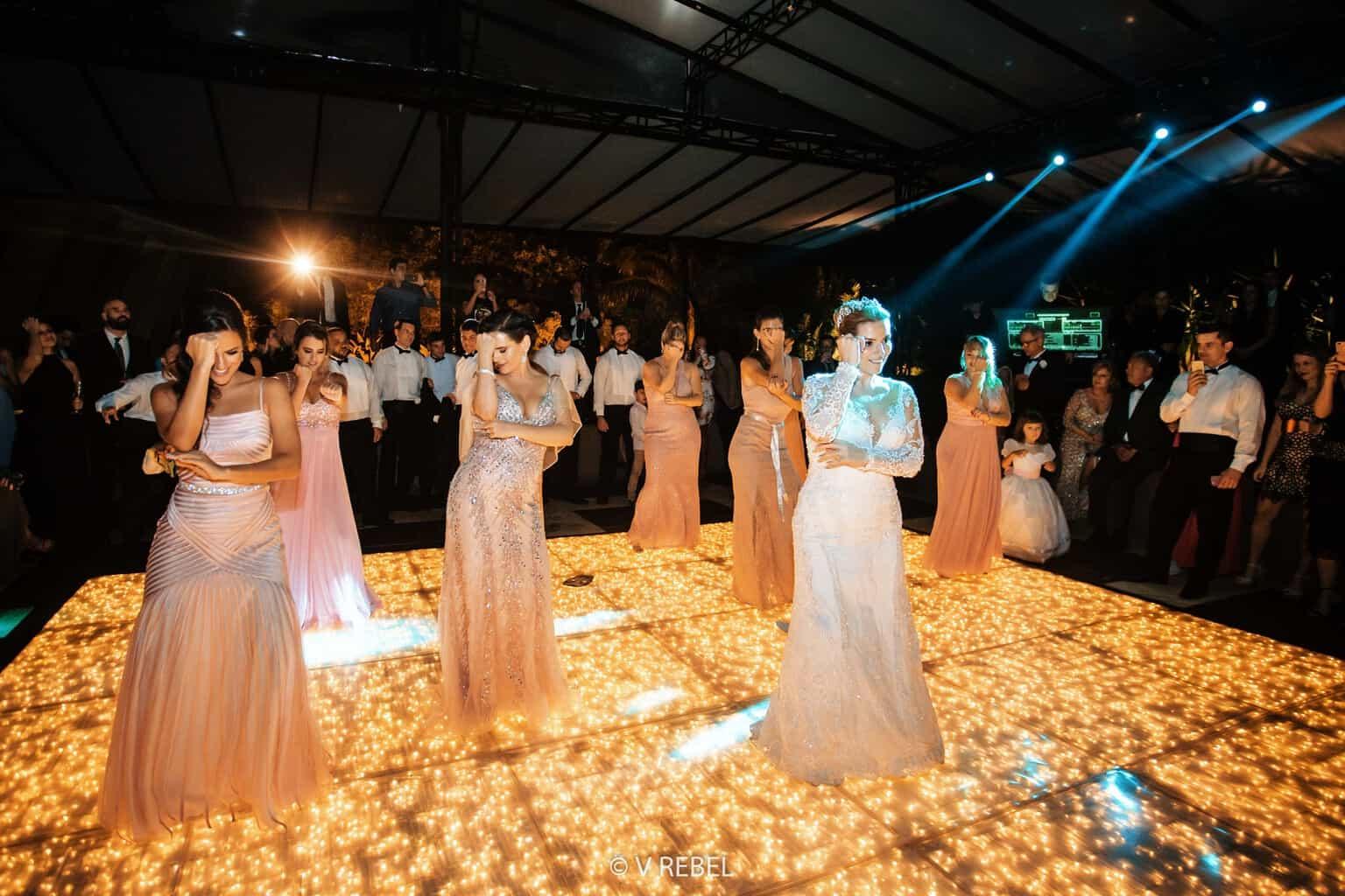 casamento-Caroline-e-Breno-casamento-clássico-coreografia-fotografia-VRebel-pista95