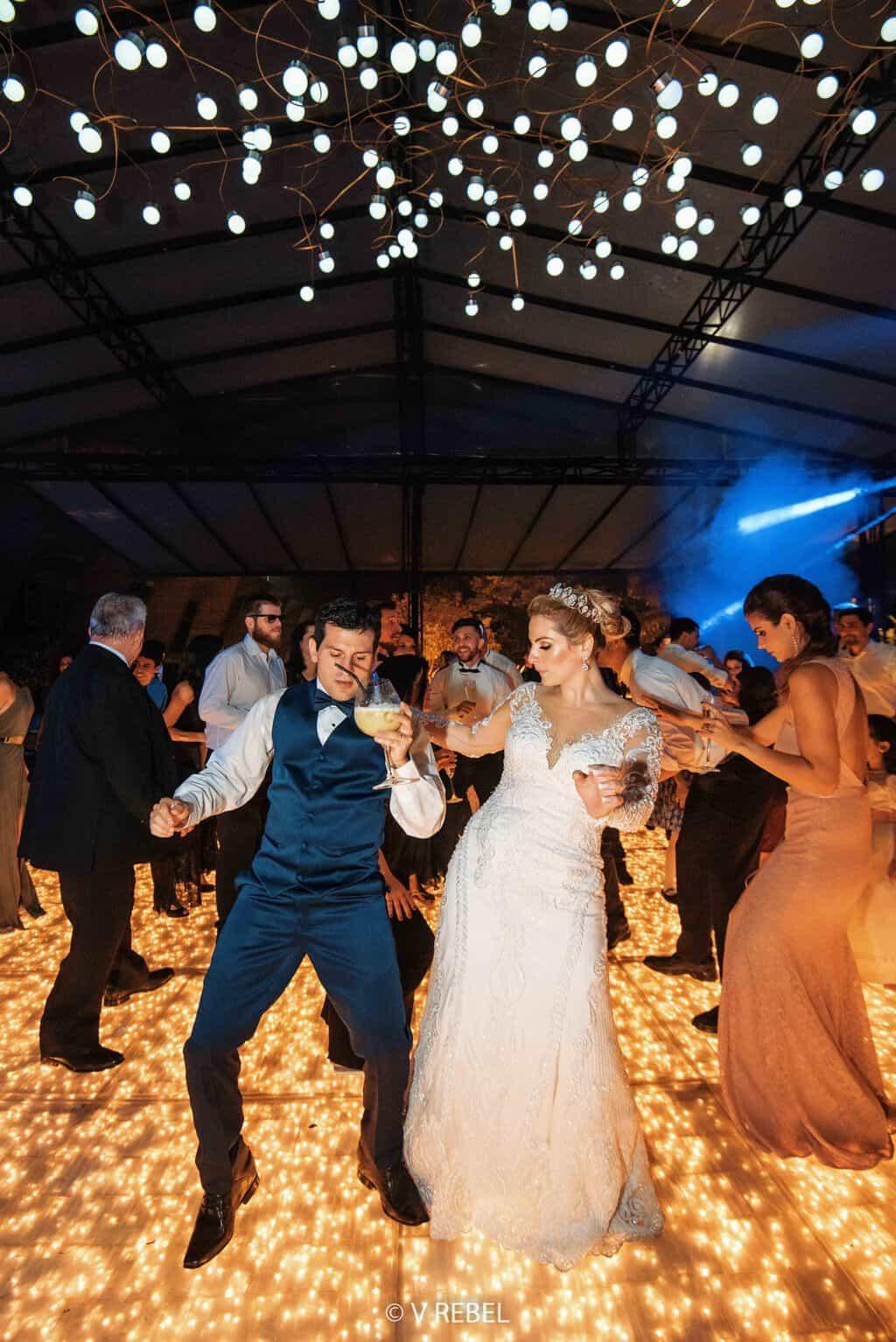 casamento-Caroline-e-Breno-casamento-clássico-fotografia-VRebel-pista98