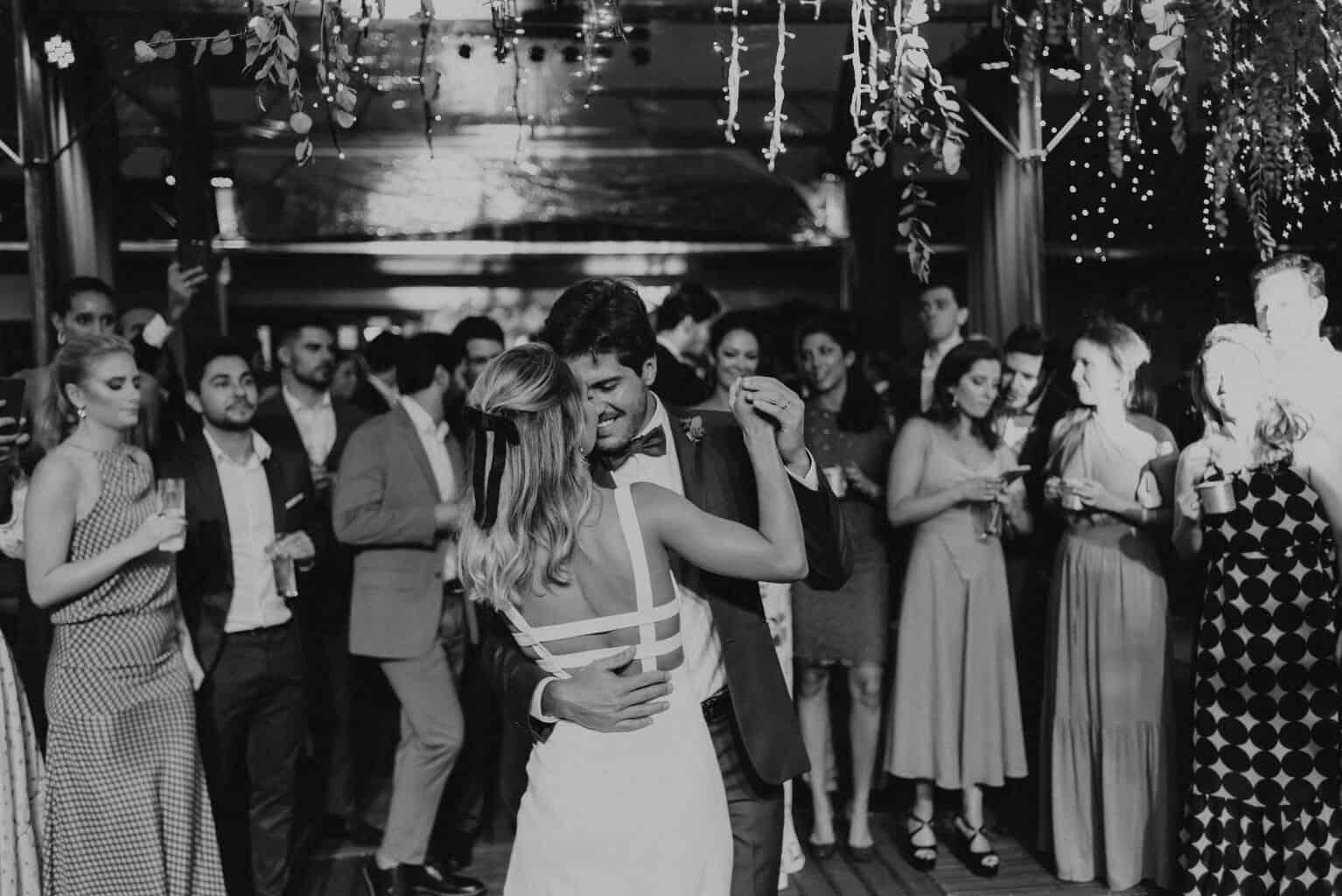 casamento-Maitê-e-Breno-Fotografia-Mana-Gollo-Hotel-Timbó-Park-pista-primeira-dança54