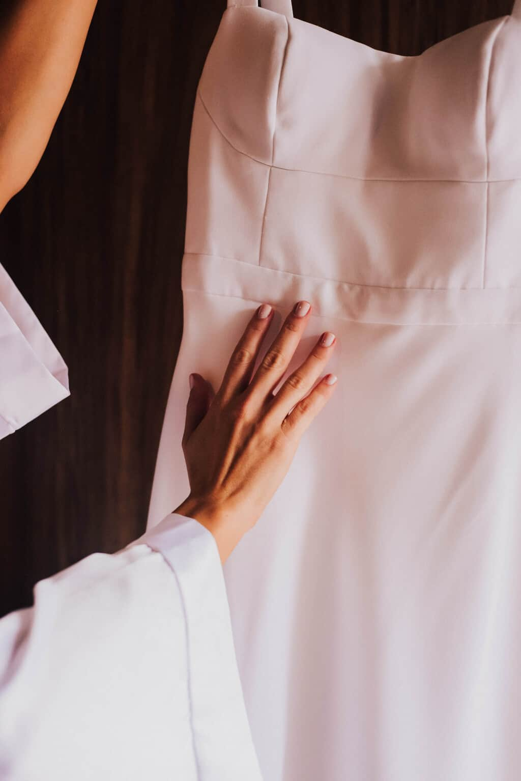 casamento-Maitê-e-Breno-Hotel-Timbó-Park-making-of-vestido-de-noiva-Fotografia-Mana-Gollo12