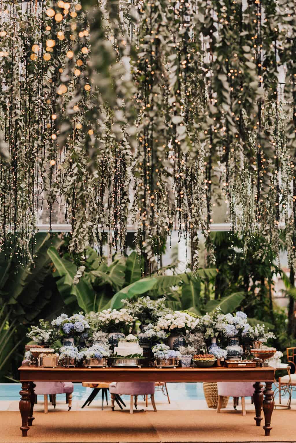 casamento-Maitê-e-Breno-decor-contemporanea-decoracao-branca-com-verde-Fotografia-Mana-Gollo-Hotel-Timbó-Park-mesa-de-doces29