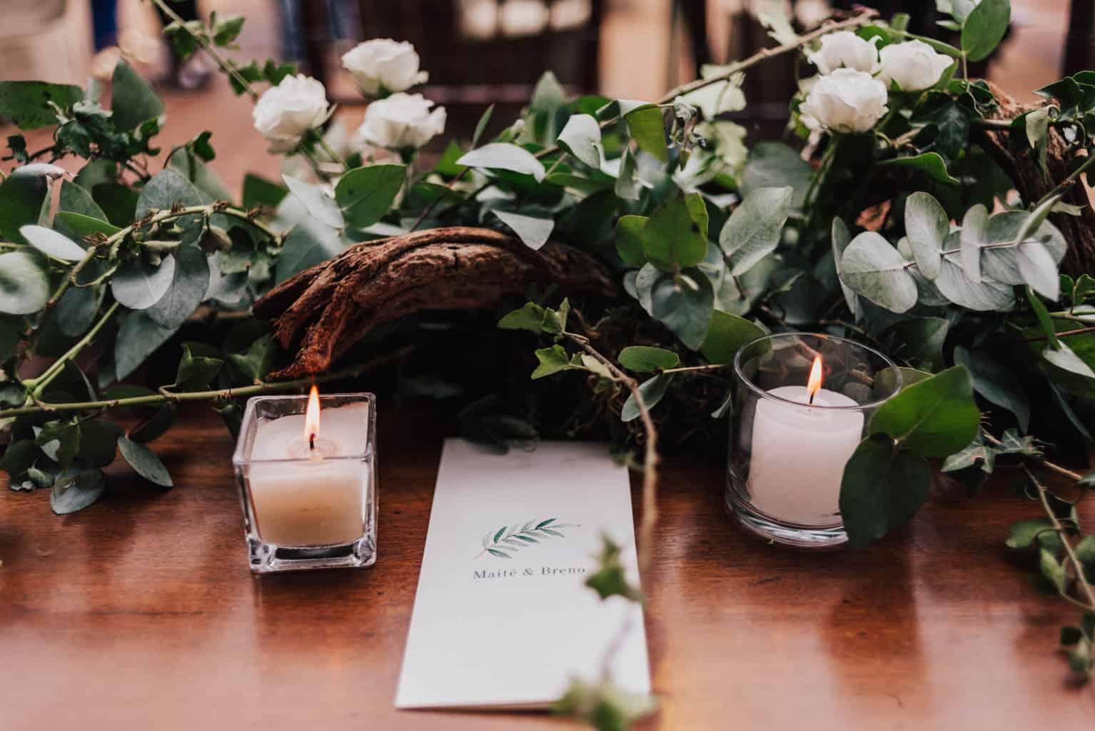 casamento-Maitê-e-Breno-decor-contemporanea-decoracao-branca-com-verde-Fotografia-Mana-Gollo-Hotel-Timbó-Park-mesa-dos-convidados14