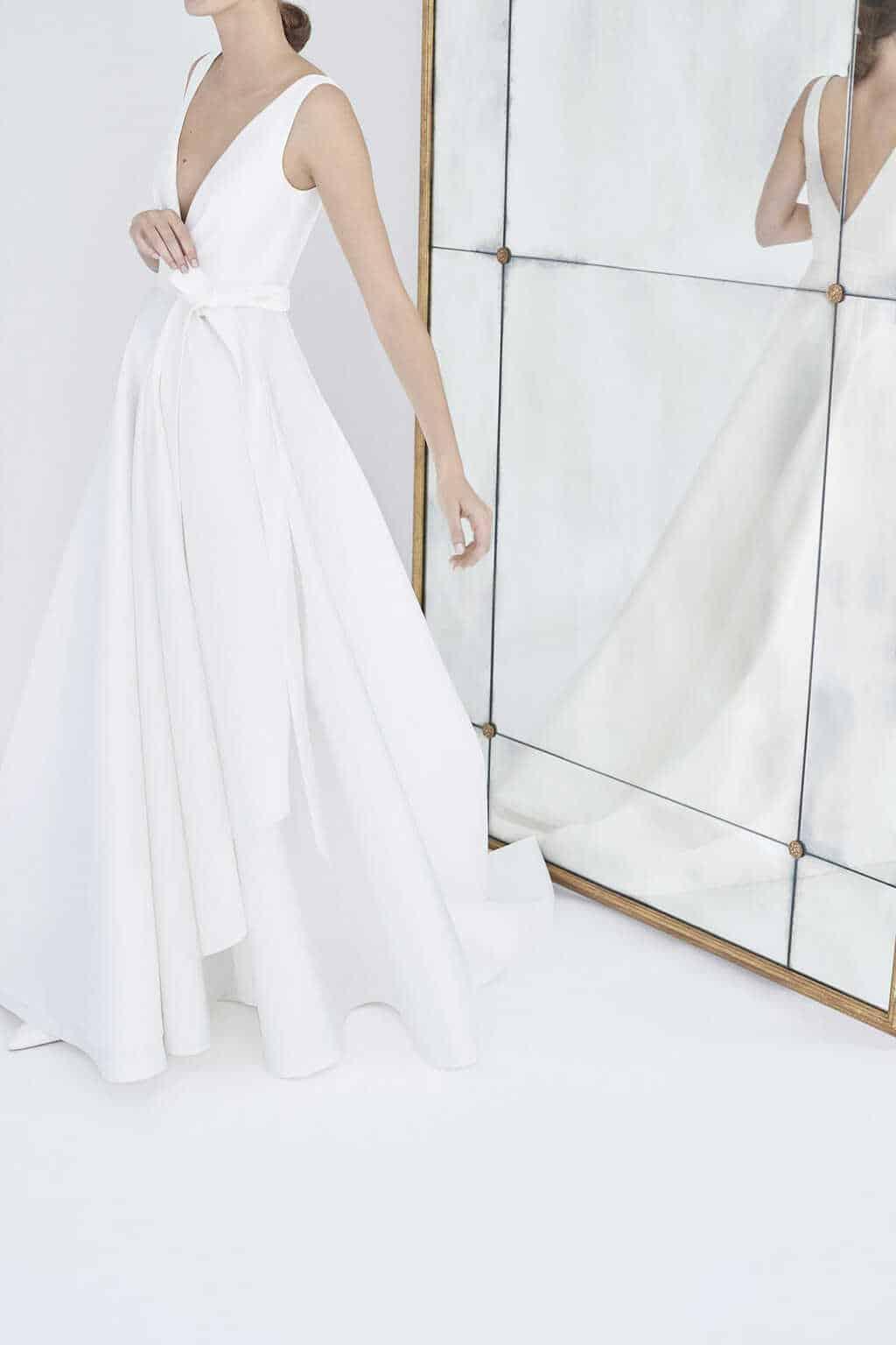 vestido-de-noiva-sem-renda-Carolina-Herrera-NY_Bridal