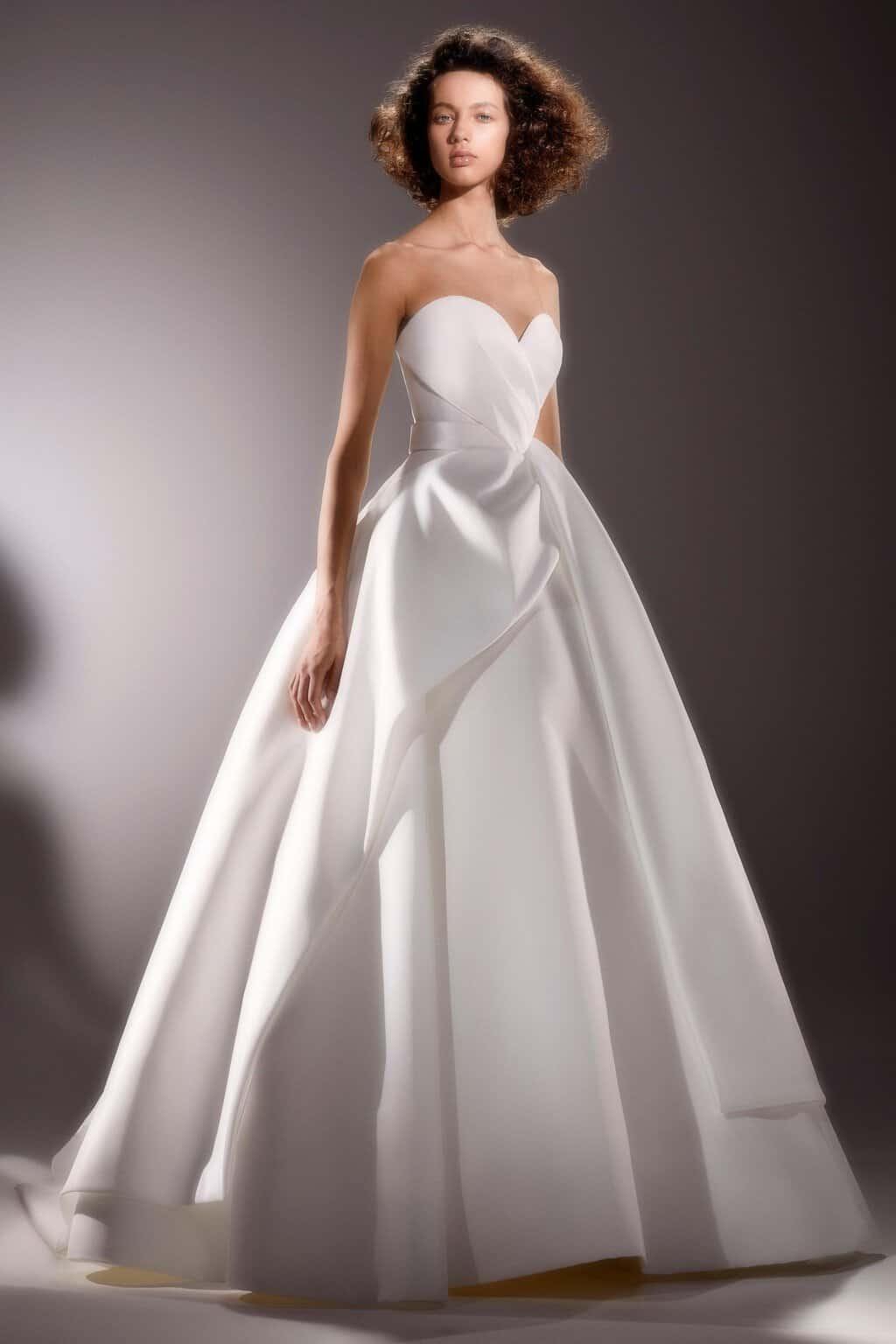 vestido-de-noiva-sem-renda-Viktor_Rolf_MariageVI_by_Marijke_Aerden_1034_.width-1920