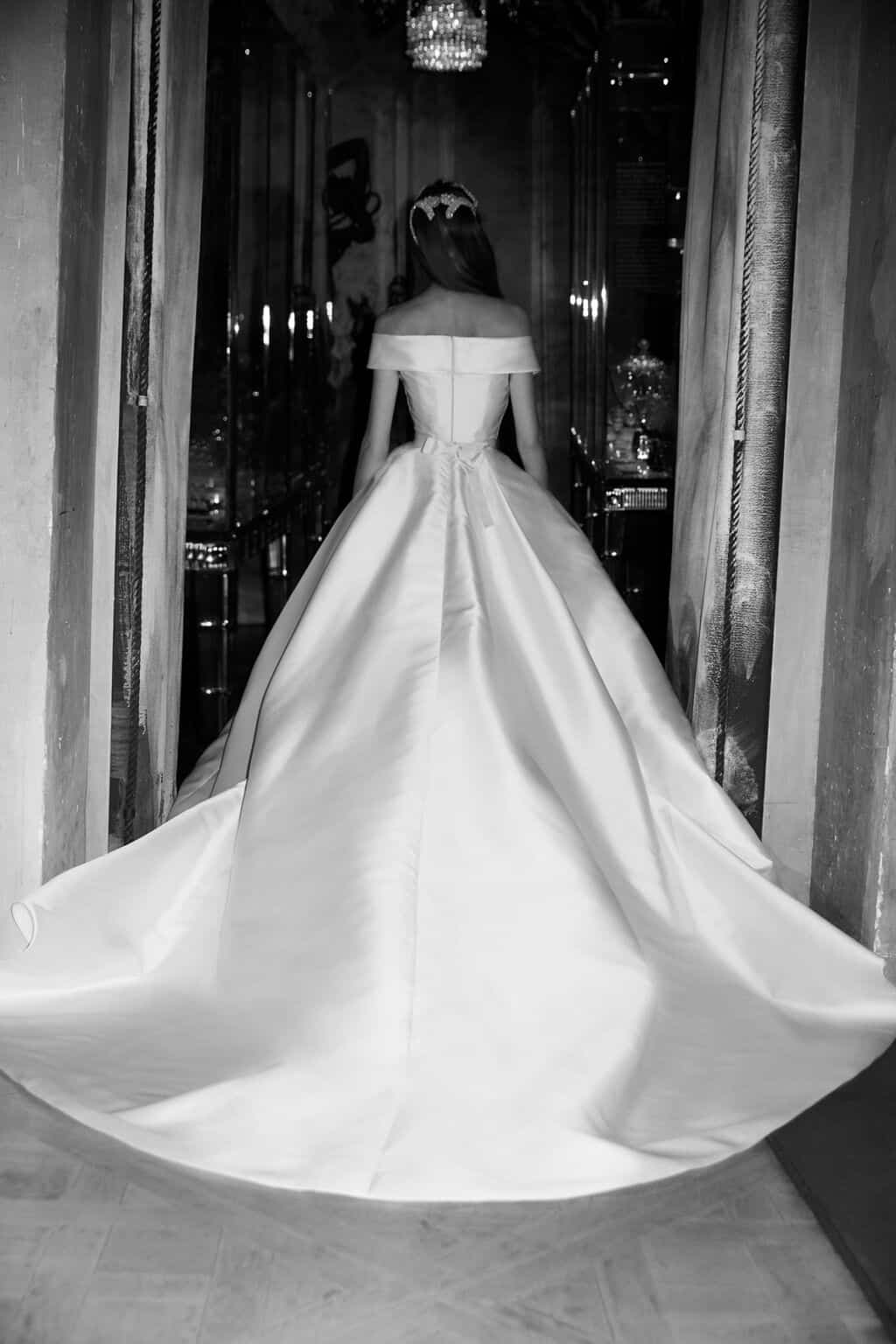 vestido-de-noiva-sem-renda-elie-saab