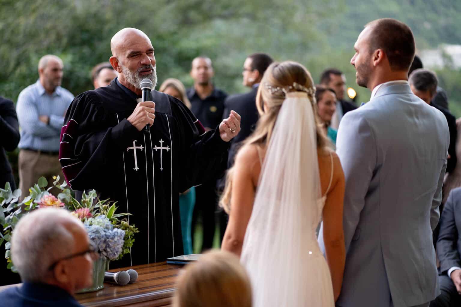 Casamento-Heloisa-e-Eduardo-Bolsonaro-cerimonia-ao-ar-livre-cerimonial-Márcia-Santiago-Fotografia-Davi-Nascimento16