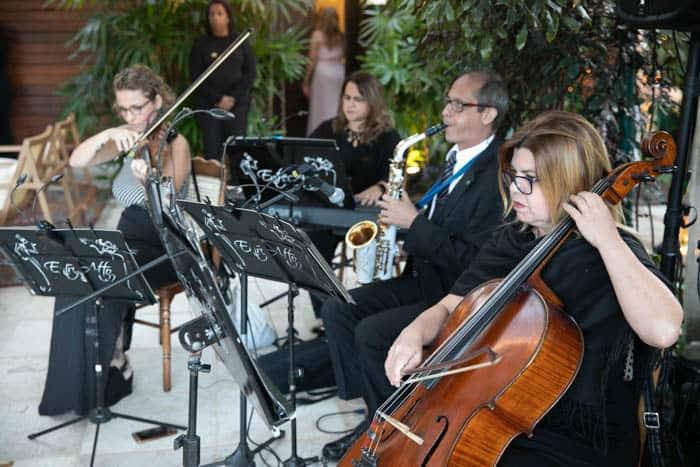 Casamento-Heloisa-e-Eduardo-Bolsonaro-cerimonia-ao-ar-livre-cerimonial-Márcia-Santiago-Fotografia-Davi-Nascimento37