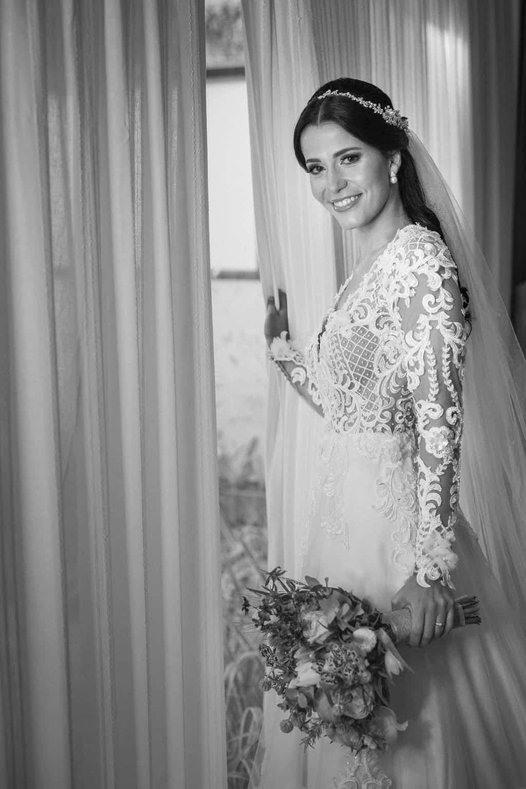 beleza-da-noiva-casamento-Beatriz-e-Joao-Fernando-Itaipava-Locanda-Della-Mimosa-Thienny-Tammis117