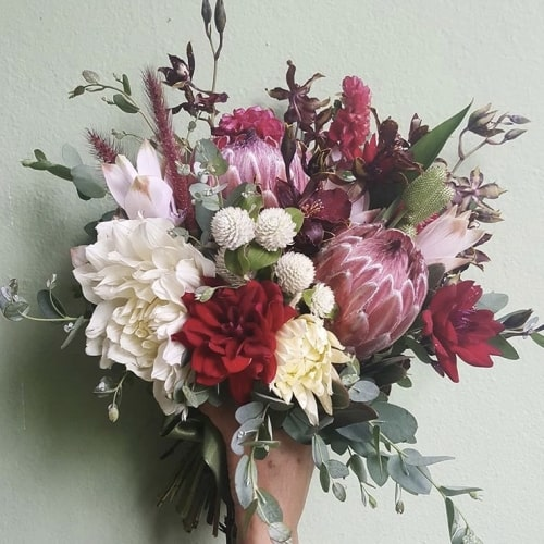 buque-de-noiva-desconstru-do-mix-de-flores-casamento-inspira-es-wedding-inspirations-caseme-boutique-de-cena.PNG