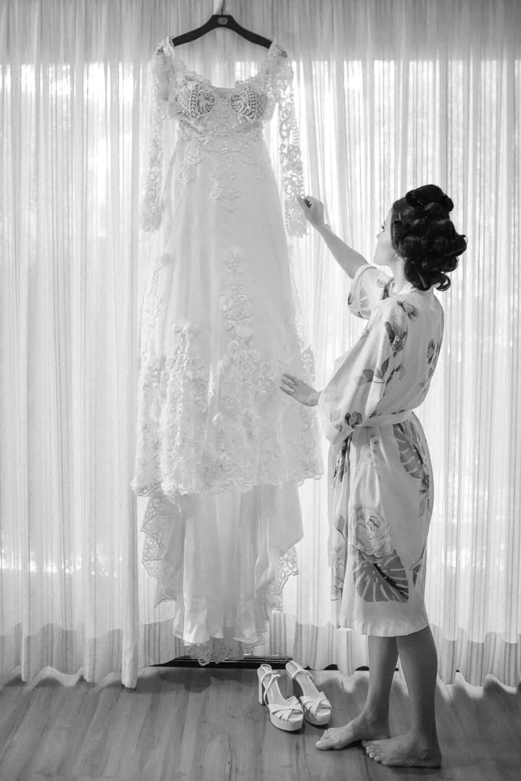 casamento-Beatriz-e-Joao-Fernando-Itaipava-Locanda-Della-Mimosa-making-of-Thienny-Tammis16