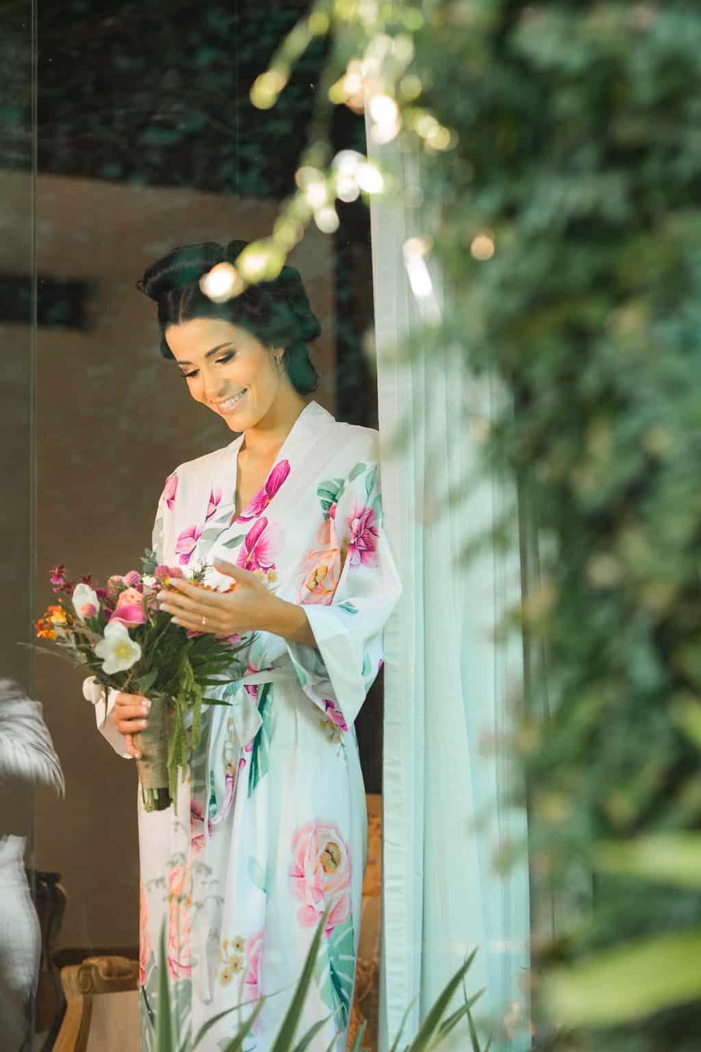 casamento-Beatriz-e-Joao-Fernando-Itaipava-Locanda-Della-Mimosa-making-of-Thienny-Tammis17