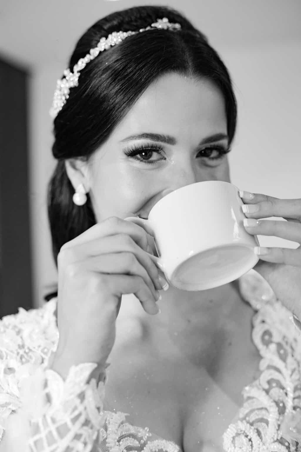casamento-Beatriz-e-Joao-Fernando-Itaipava-Locanda-Della-Mimosa-making-of-Thienny-Tammis42