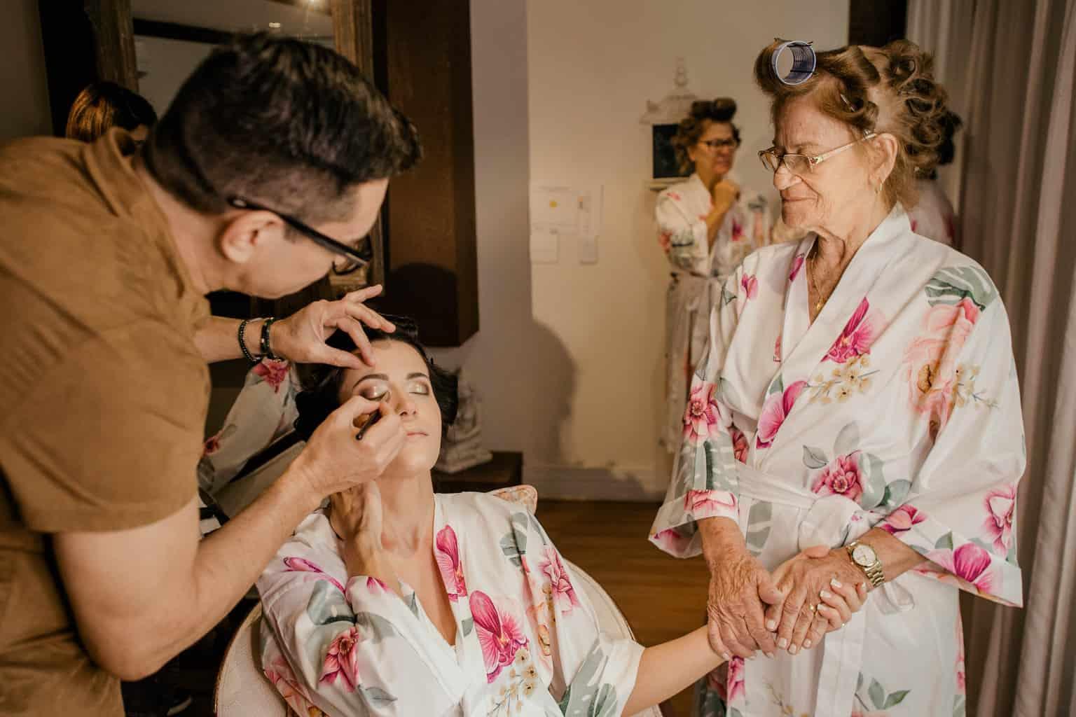casamento-Beatriz-e-Joao-Fernando-Itaipava-Locanda-Della-Mimosa-making-of-Thienny-Tammis5