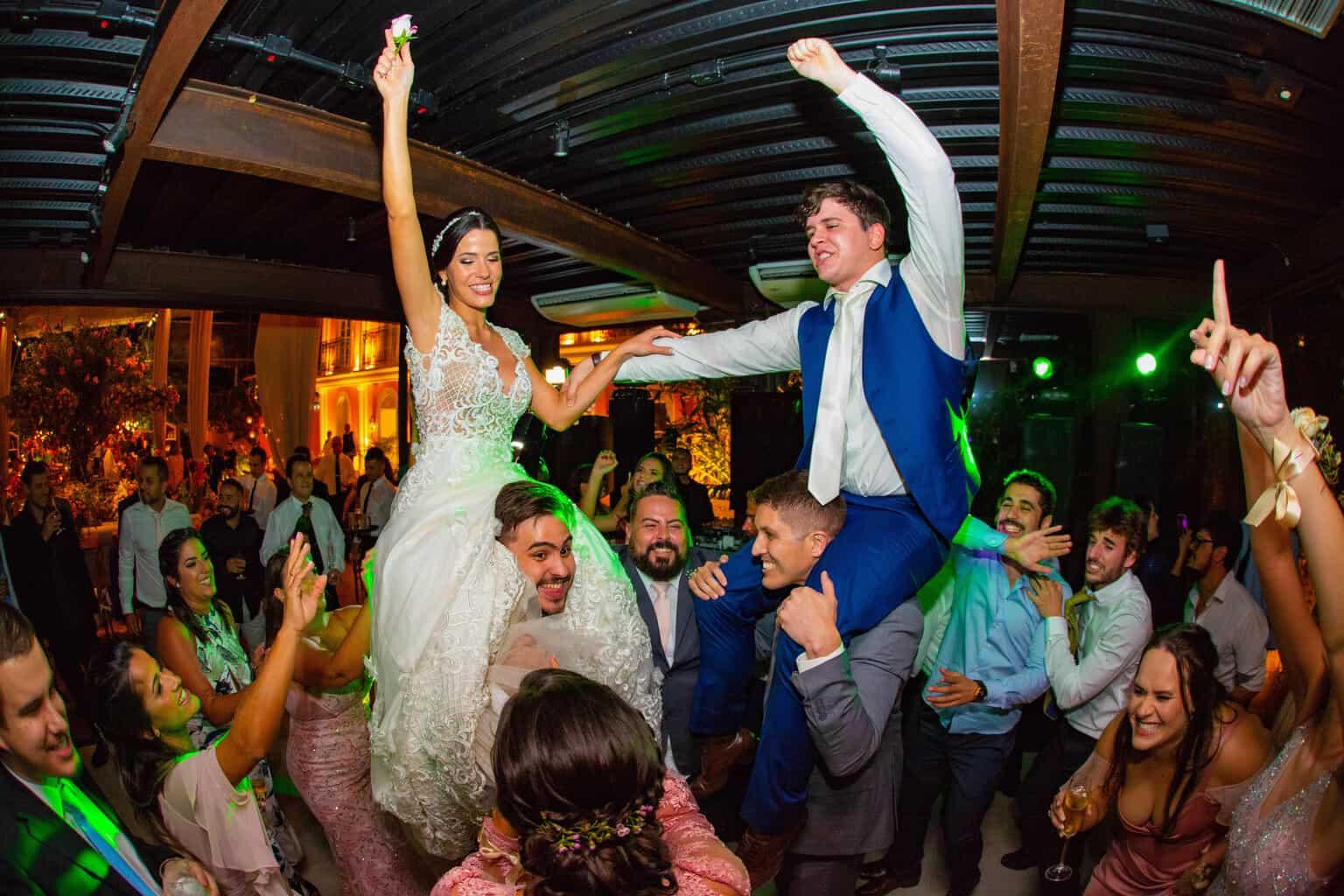 casamento-Beatriz-e-Joao-Fernando-Itaipava-Locanda-Della-Mimosa-pista-Thienny-Tammis238