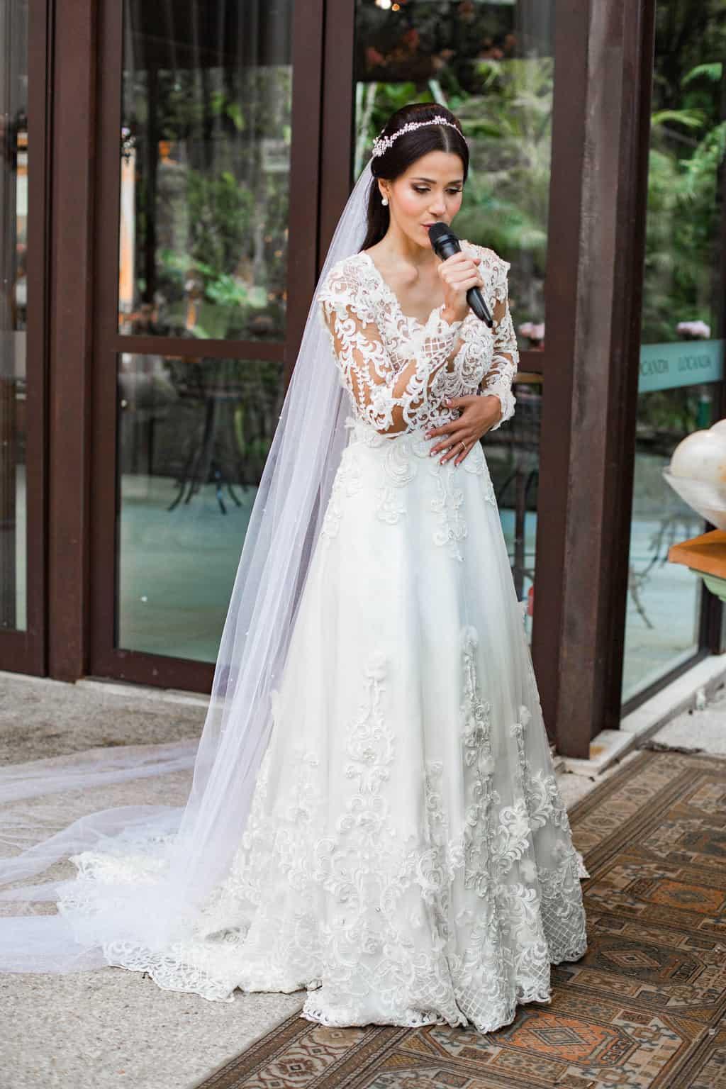 casamento-Beatriz-e-Joao-Fernando-cerimonia-ao-ar-livre-Itaipava-Locanda-Della-Mimosa-Thienny-Tammis127