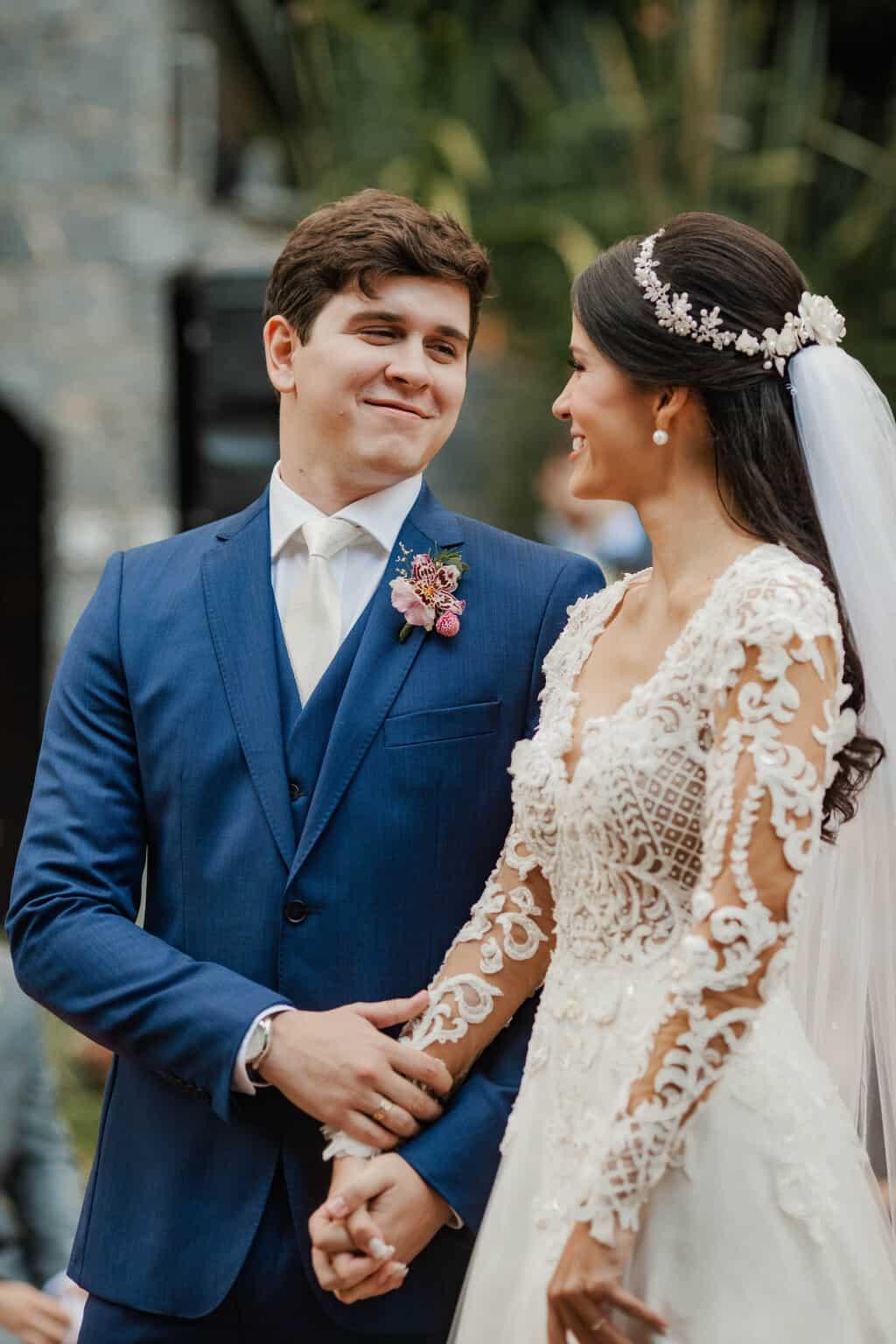 casamento-Beatriz-e-Joao-Fernando-cerimonia-ao-ar-livre-Itaipava-Locanda-Della-Mimosa-Thienny-Tammis139