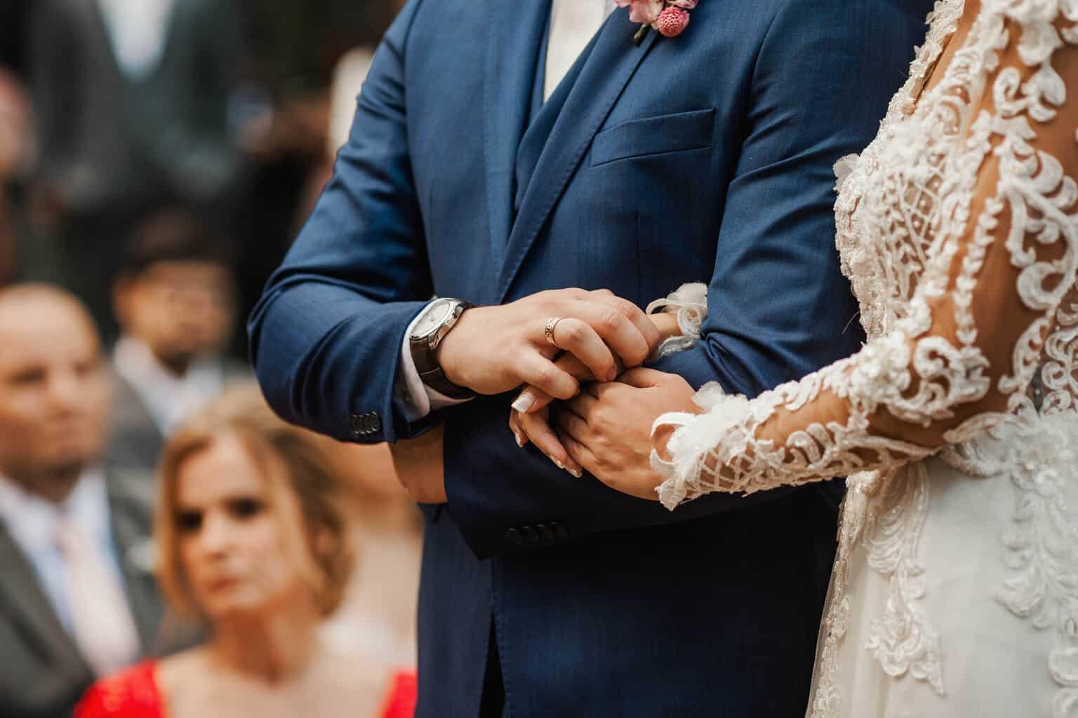 casamento-Beatriz-e-Joao-Fernando-cerimonia-ao-ar-livre-Itaipava-Locanda-Della-Mimosa-Thienny-Tammis161