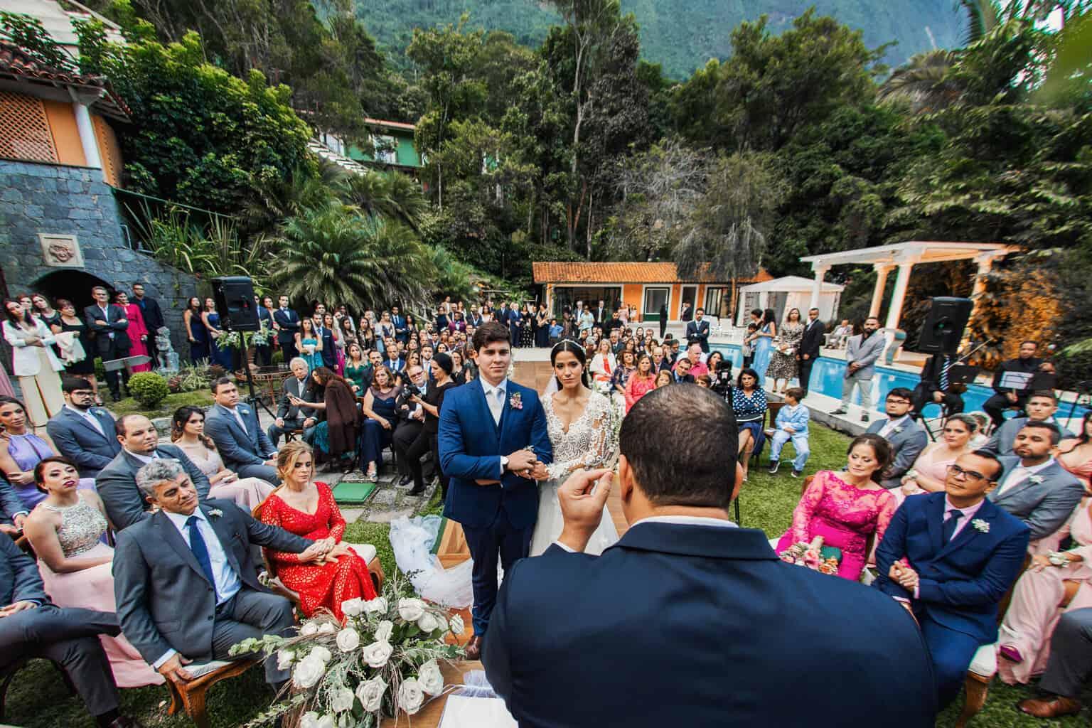 casamento-Beatriz-e-Joao-Fernando-cerimonia-ao-ar-livre-Itaipava-Locanda-Della-Mimosa-Thienny-Tammis162