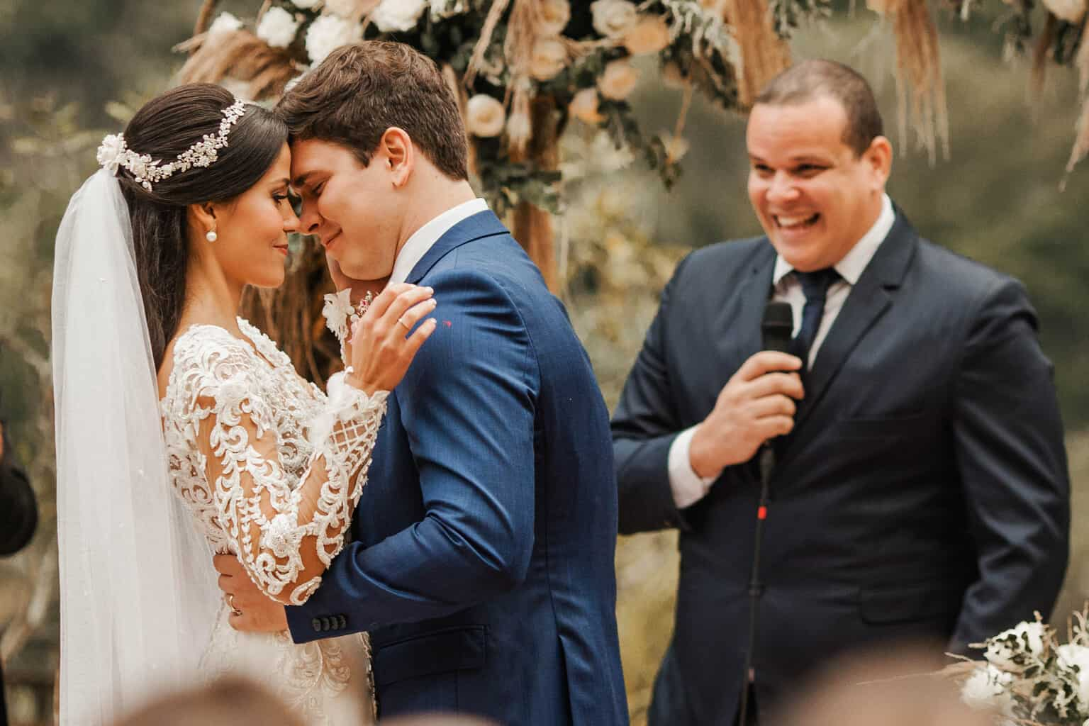 casamento-Beatriz-e-Joao-Fernando-cerimonia-ao-ar-livre-Itaipava-Locanda-Della-Mimosa-Thienny-Tammis170