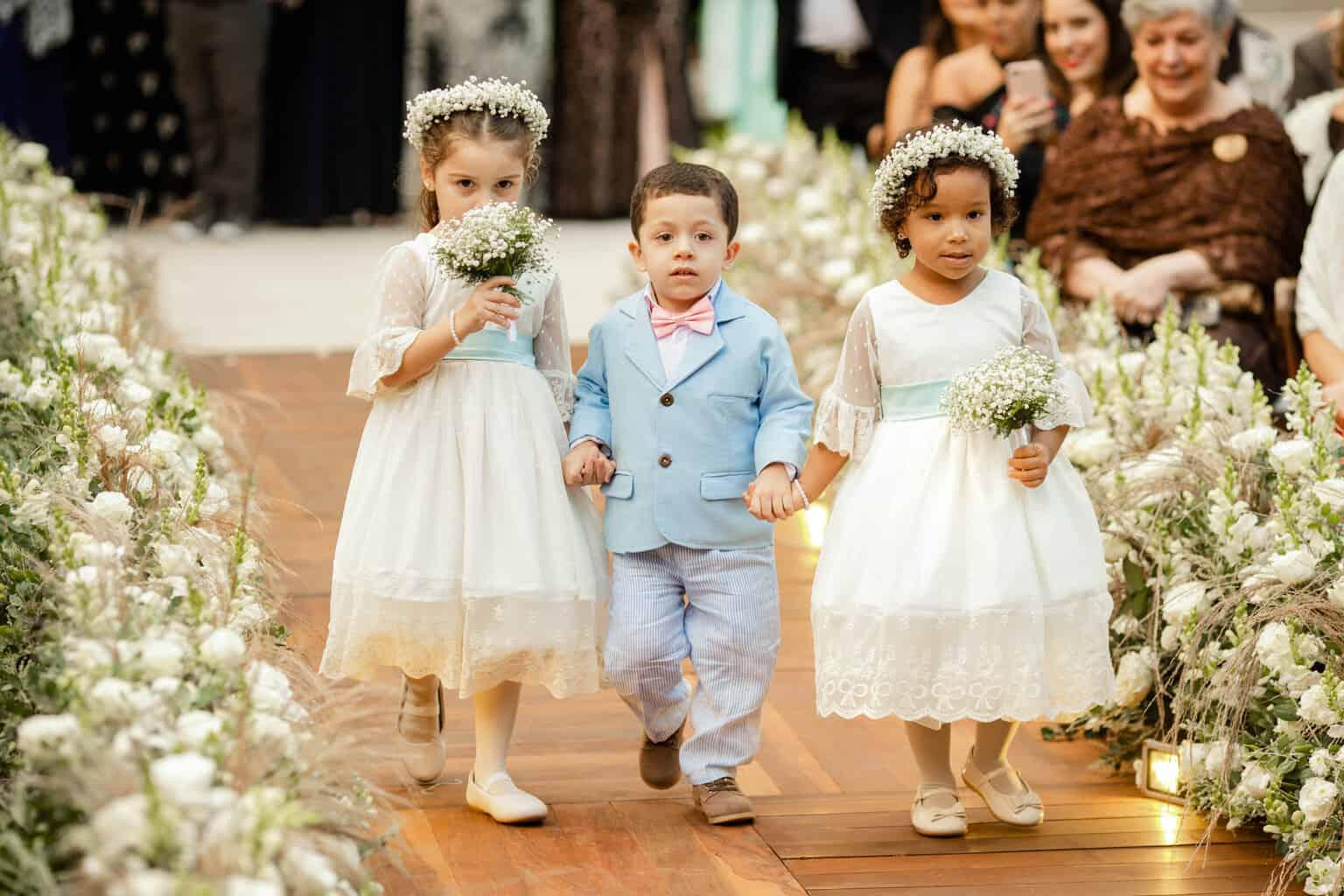casamento-Beatriz-e-Joao-Fernando-daminhas-e-pajens-Itaipava-Locanda-Della-Mimosa-Thienny-Tammis124