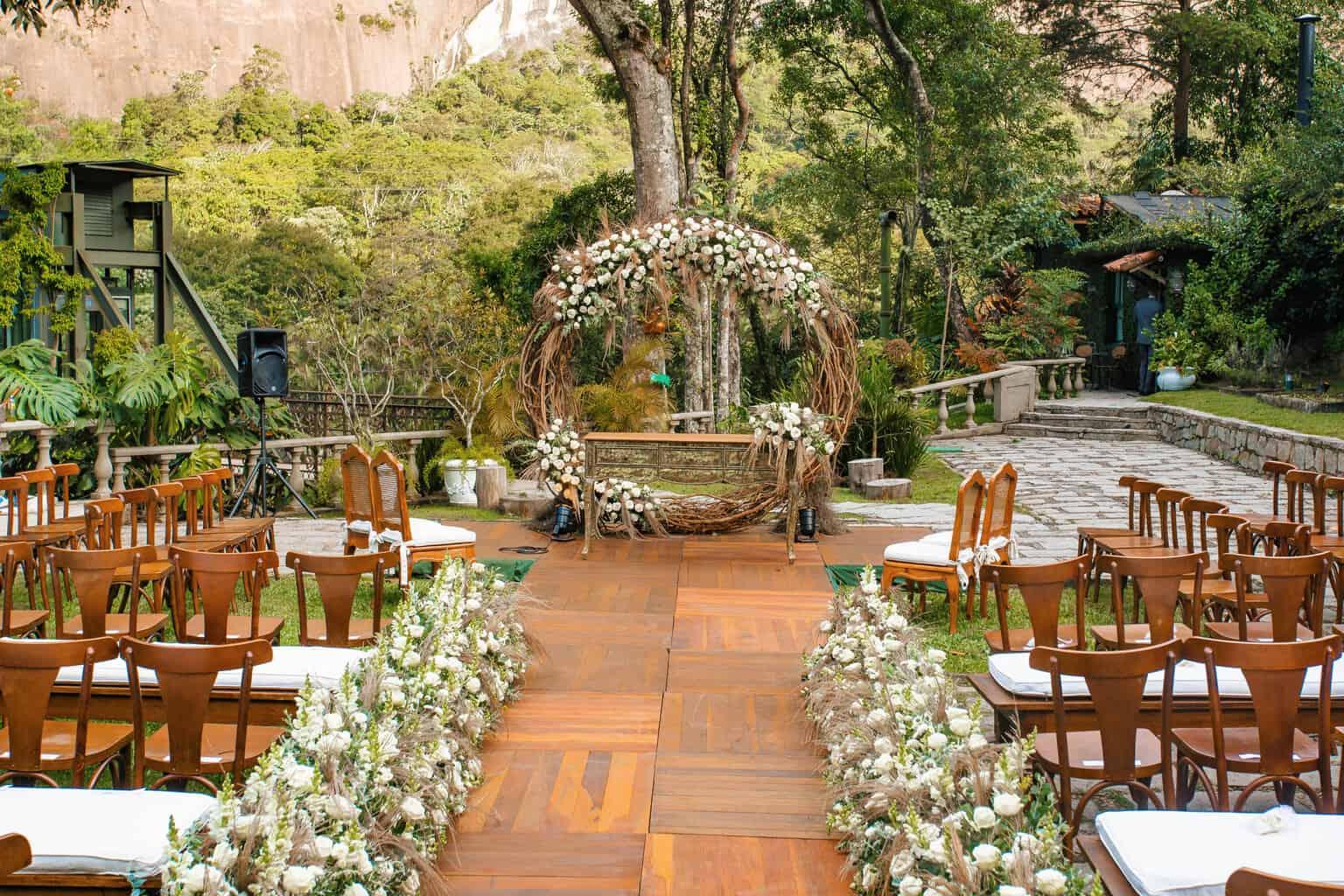 casamento-Beatriz-e-Joao-Fernando-decoracao-da-cerimonia-Itaipava-Locanda-Della-Mimosa-Thienny-Tammis63