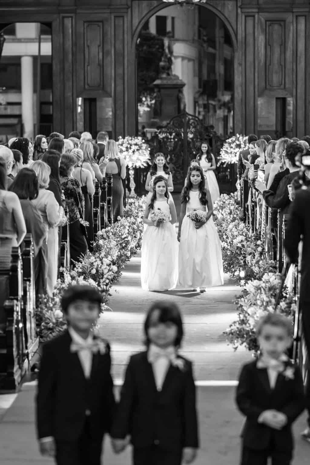 casamento-Karynna-e-Fernando-cerimonia-na-igreja-cerimonial-TCD-Eventos-fotografia-Marina-Fava-Igreja-São-Francisco-de-Paula38