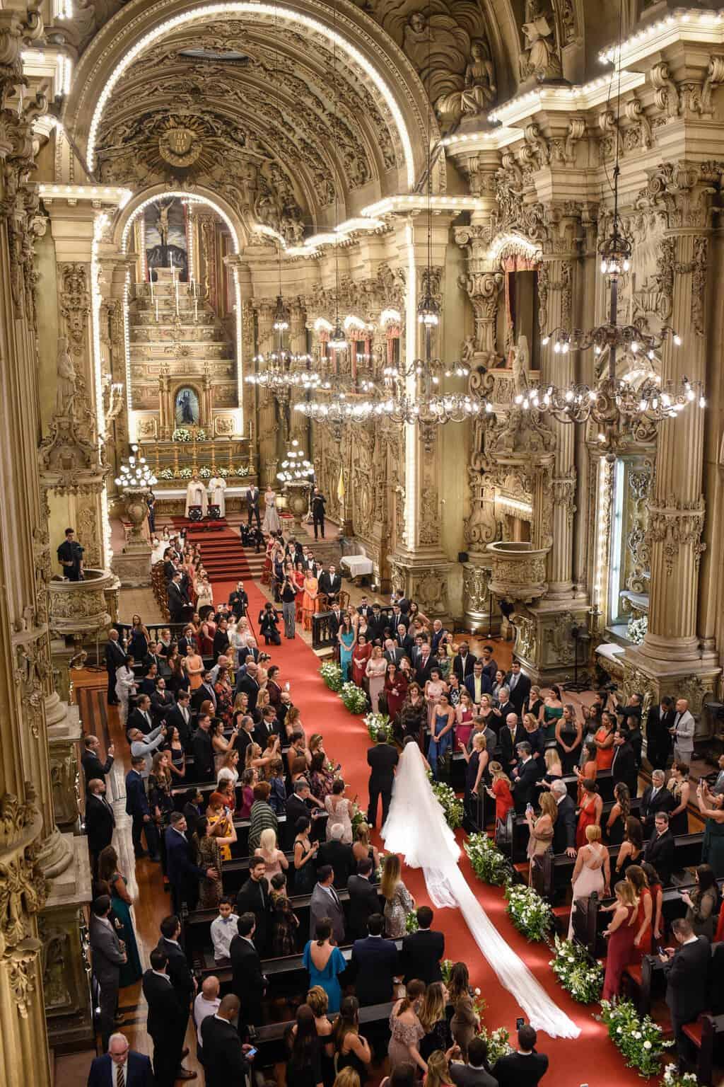 casamento-Karynna-e-Fernando-cerimonia-na-igreja-cerimonial-TCD-Eventos-fotografia-Marina-Fava-Igreja-São-Francisco-de-Paula44